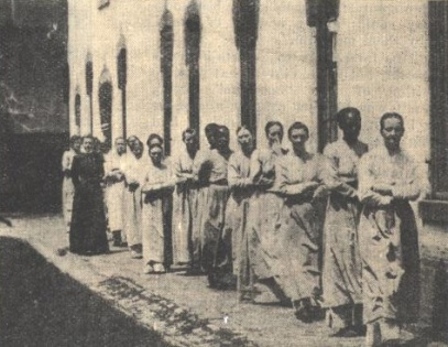 womeninprison18992